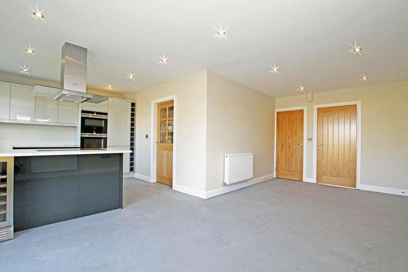 5 Bedrooms Detached House for sale in Barnsley Rd, Marr, DN5 7AX