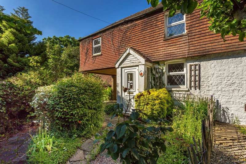 2 Bedrooms Cottage House for sale in Westerham Road, Oxted
