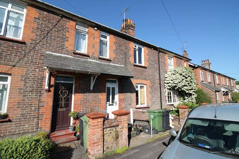 3 Bedrooms Terraced House for sale in Shotterfield Terrace, Liss