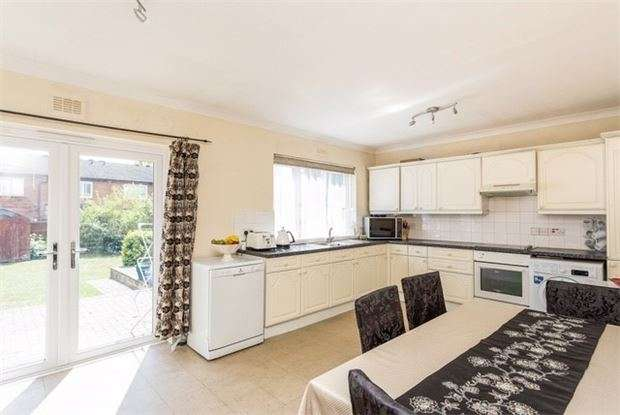 4 Bedrooms Semi Detached House for sale in Roehampton Vale, Putney, LONDON, SW15