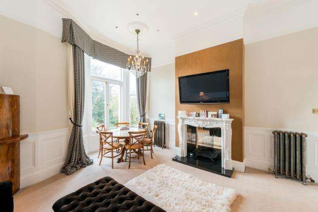2 Bedrooms Flat for sale in King Henrys Road, Primrose Hill, London, NW3
