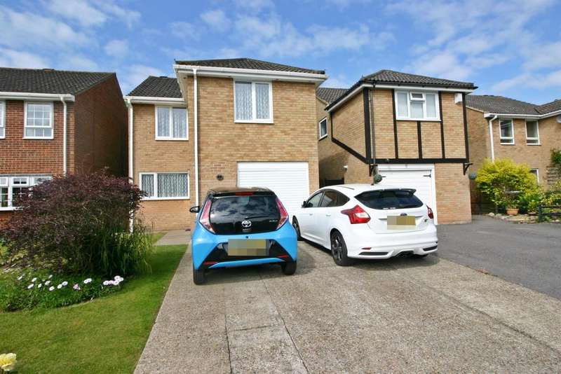 3 Bedrooms Detached House for sale in Culver, Netley Abbey, Southampton, SO31 5GJ