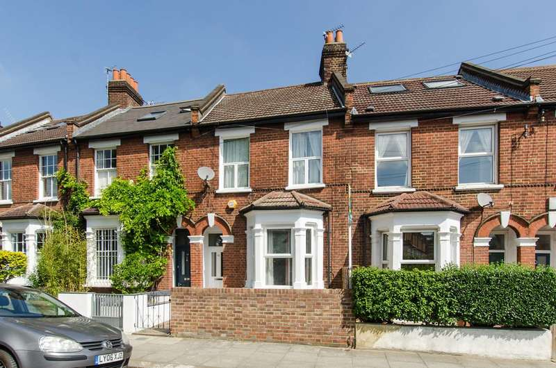 3 Bedrooms Terraced House for sale in Ormeley Road, Balham, SW12