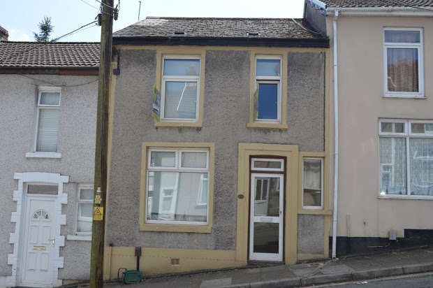 4 Bedrooms Terraced House for sale in , Birchwood Avenue, Treforest, RCT, CF37