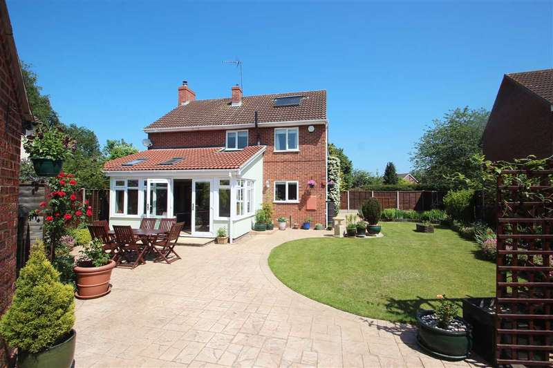 4 Bedrooms Detached House for sale in Kenyon Close, Stratford St. Mary, Colchester