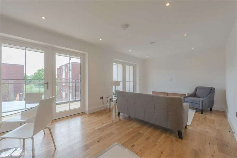 2 Bedrooms Property for sale in Hampton Row, London, London, SW15