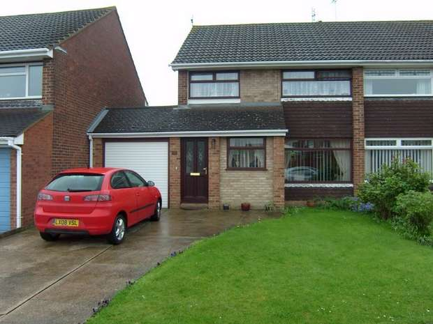 3 Bedrooms Semi Detached House for sale in Arundel Avenue, SITTINGBOURNE, Kent