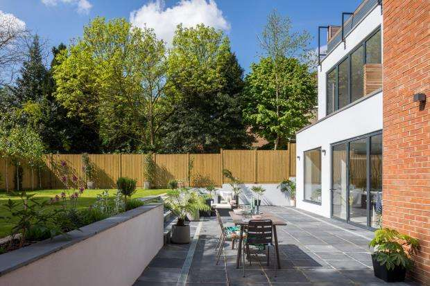 4 Bedrooms Maisonette Flat for sale in Shepherd's Hill, Highgate, London, N6