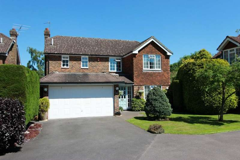 4 Bedrooms Detached House for sale in Barn Close, Banstead