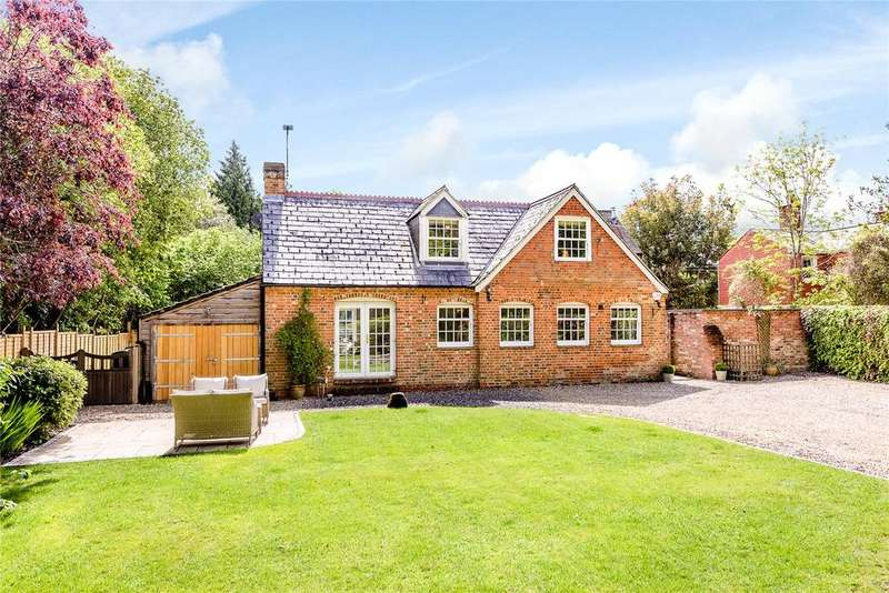 4 Bedrooms Detached House for sale in Church Road, Woolton Hill, Newbury, Berkshire