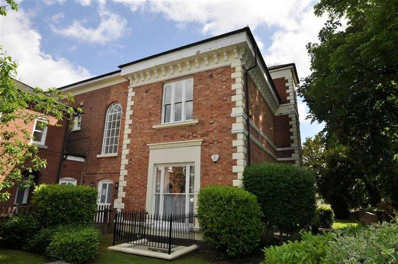 4 Bedrooms Duplex Flat for sale in Leamside House, Lucas Court, Leamington Spa