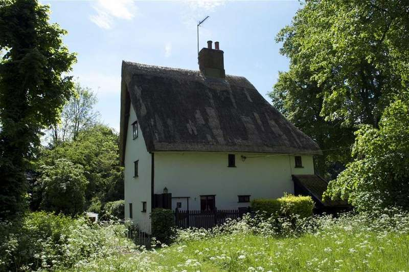 3 Bedrooms Cottage House for sale in Church Street, Wetheringsett, Suffolk