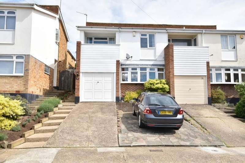 4 Bedrooms Semi Detached House for sale in Benfleet