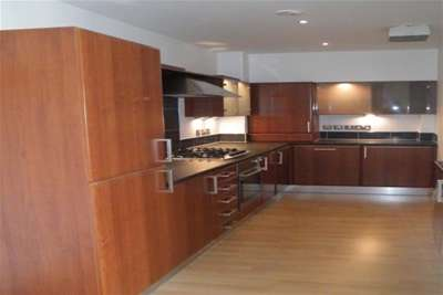 2 Bedrooms Flat for rent in Kent Road, Charing Cross, G2