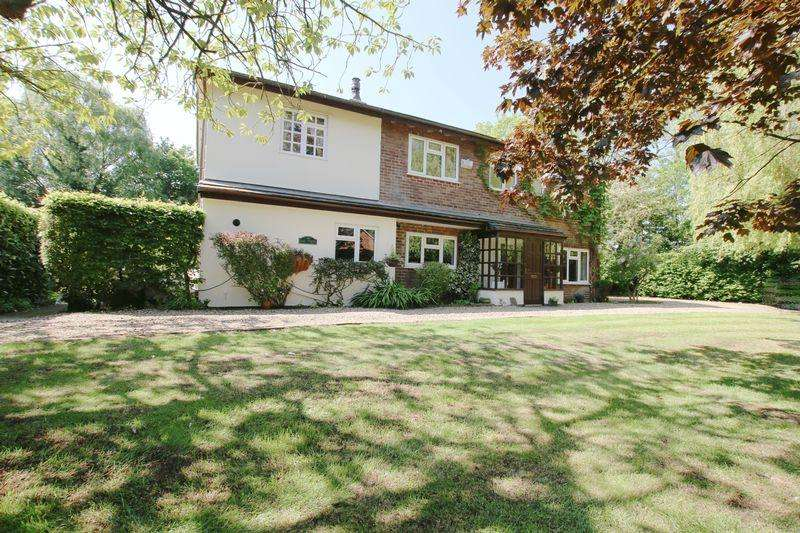 5 Bedrooms Detached House for sale in Oak Trees, Lindle Lane, Hutton