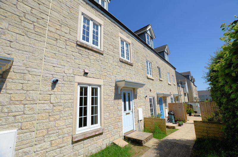 3 Bedrooms Terraced House for sale in Montgomery Drive, Tavistock