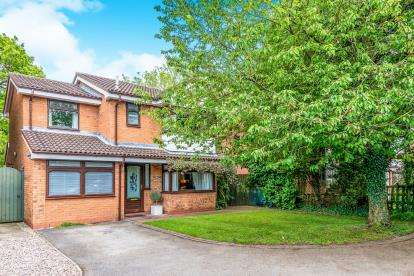 4 Bedrooms Detached House for sale in Nursery Drive, Penkridge, Stafford, Staffordshire