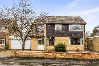 4 Bedrooms Detached House for sale in Friarswood Close, Yarm