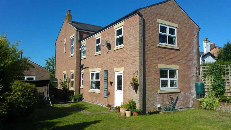 4 Bedrooms Detached House for sale in Waterloo Road, Ashton-On-Ribble, Preston