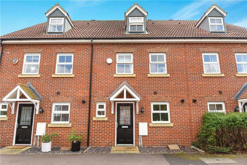3 Bedrooms Terraced House for sale in Langlands Road, Bedford, Bedfordshire