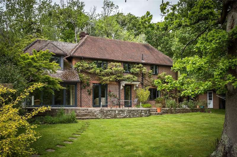 4 Bedrooms Detached House for sale in Hensting Lane, Fishers Pond, Eastleigh, Hampshire, SO50