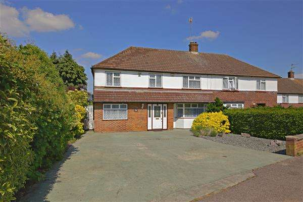 5 Bedrooms Semi Detached House for sale in Carrington Avenue, Borehamwood