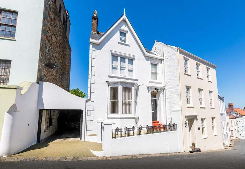 4 Bedrooms End Of Terrace House for sale in Mount Durand, St. Peter Port, Guernsey