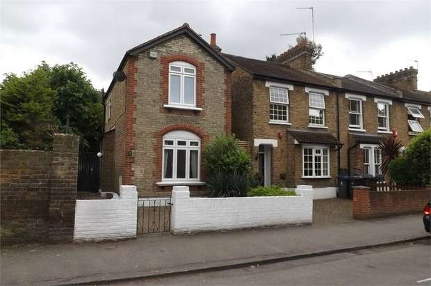 3 Bedrooms Detached House for sale in Kings Road, Kingston upon Thames, Surrey