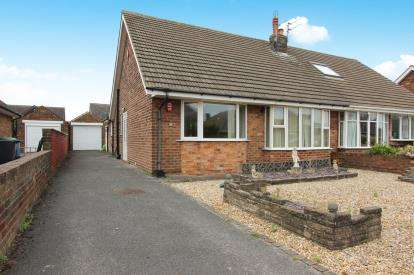 2 Bedrooms Bungalow for sale in Evesham Road, Lytham St. Annes, Lancashire, England, FY8