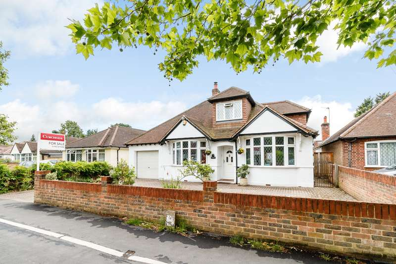 4 Bedrooms House for sale in Chertsey