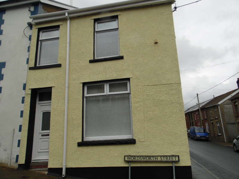 3 Bedrooms End Of Terrace House for sale in Wordsworth Street, Cwmaman, Aberdare