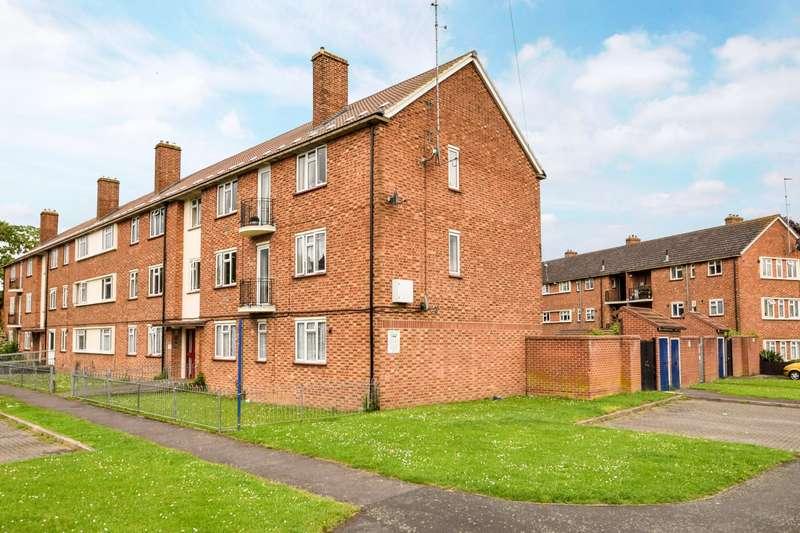3 Bedrooms Flat for sale in North Burnham Close, Burnham, SL1