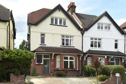 6 Bedrooms Semi Detached House for sale in Queens Road, Beckenham