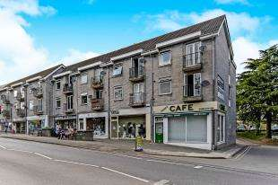 2 Bedrooms Flat for sale in Chaldon Road, Caterham, Surrey, .