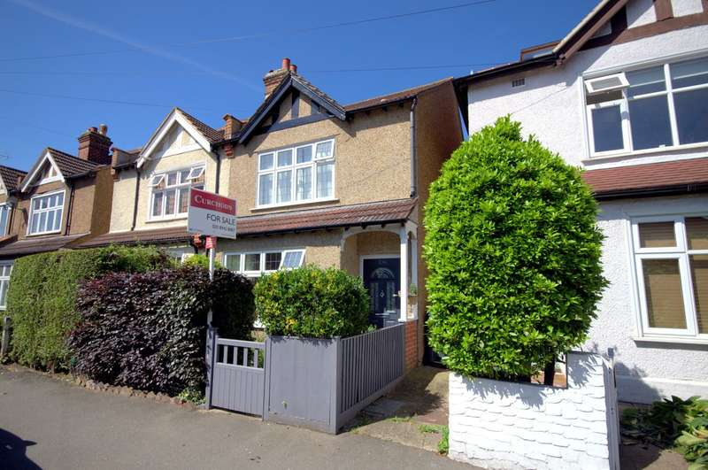 3 Bedrooms Semi Detached House for sale in Edge of The Groves