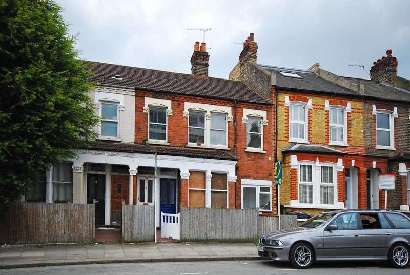 3 Bedrooms Maisonette Flat for sale in Fawe Park Road, Putney, SW15