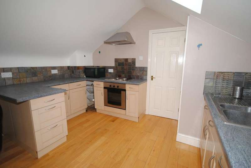 2 Bedrooms Apartment Flat for sale in Lower Street, Stansted