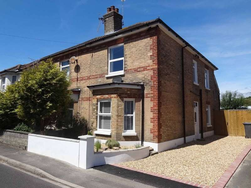 3 Bedrooms Semi Detached House for sale in 7 York Place, Bournemouth, Bh7 6JL