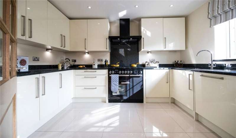 4 Bedrooms Detached House for sale in 6 Gills Green Courtyard, Cranbrook Road, Gills Green, Cranbrook, TN18