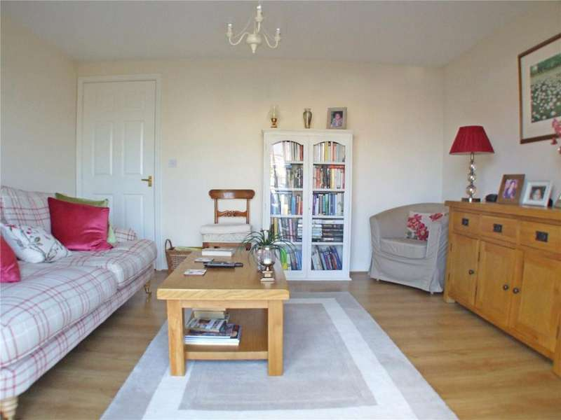 2 Bedrooms Flat for sale in Burgess Road, Stamford, PE9