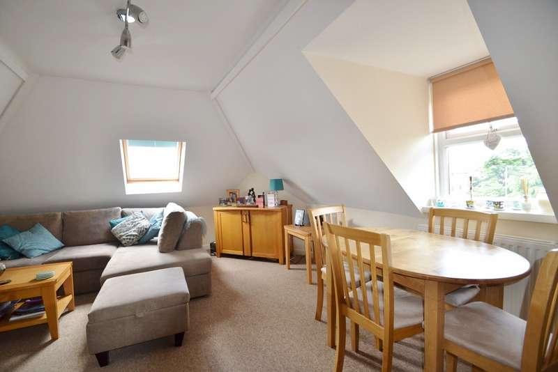 2 Bedrooms Flat for sale in Wimborne
