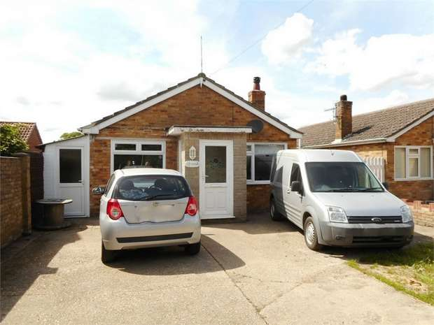 2 Bedrooms Detached House for sale in Sutton Road, Huttoft, Alford, Lincolnshire