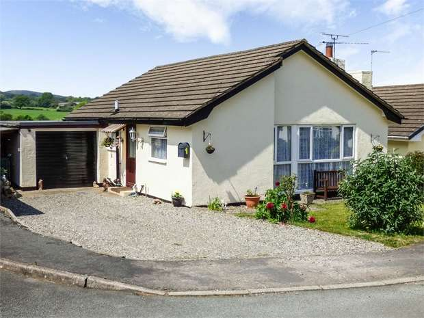 2 Bedrooms Detached Bungalow for sale in Caer Gofaint, Groes, Denbigh, Conwy