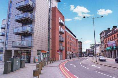 2 Bedrooms Flat for sale in Quayside, Bute Crescent, Cardiff, Caerdydd