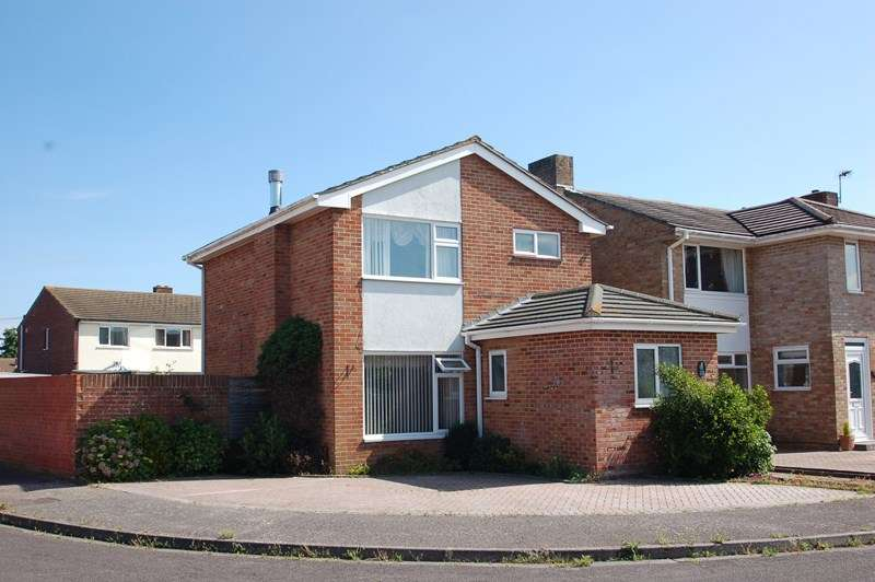 3 Bedrooms Detached House for sale in Admirals Walk, Alverstoke, Gosport