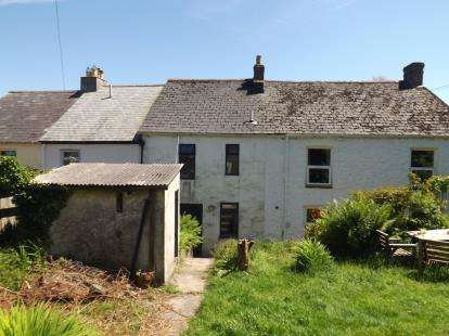 2 Bedrooms Terraced House for sale in King Street, Gunnislake, Cornwall