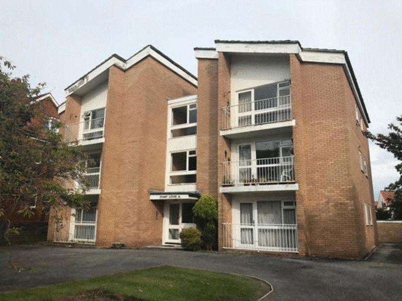 2 Bedrooms Apartment Flat for sale in Cambridge Road, Southport