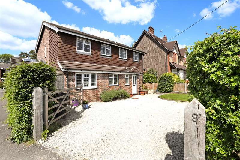 4 Bedrooms Detached House for sale in Rowan Tree Close, Liss, Hampshire, GU33