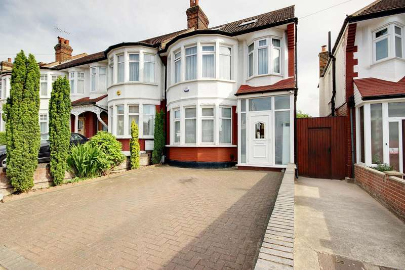4 Bedrooms Property for sale in Grenoble Gardens, Palmers Green, London, N13