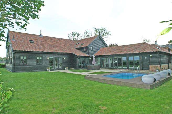 5 Bedrooms Barn Character Property for sale in Between Debenham Eye